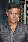 HOLLYWOOD, CA - OCTOBER 16: Actor Esai Morales attends the premiere of Warner Bros. Pictures' 'Geostorm' at the TCL Chinese Theatre on October 16, 2017 in Hollywood, California.