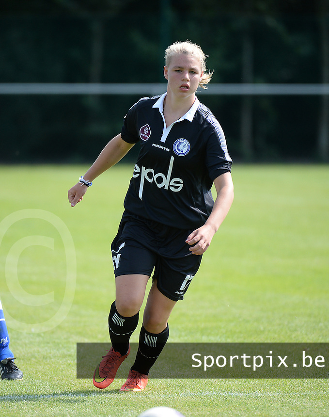 20150801 - WESTKAPELLE , BELGIUM : Gent's Loeke Tulkens pictured during a friendly soccer match with the women team of AA Gent Ladies , during the preparation for the 2015-2016 SUPERLEAGUE season, Saturday 1 August 2015 . PHOTO DAVID CATRY