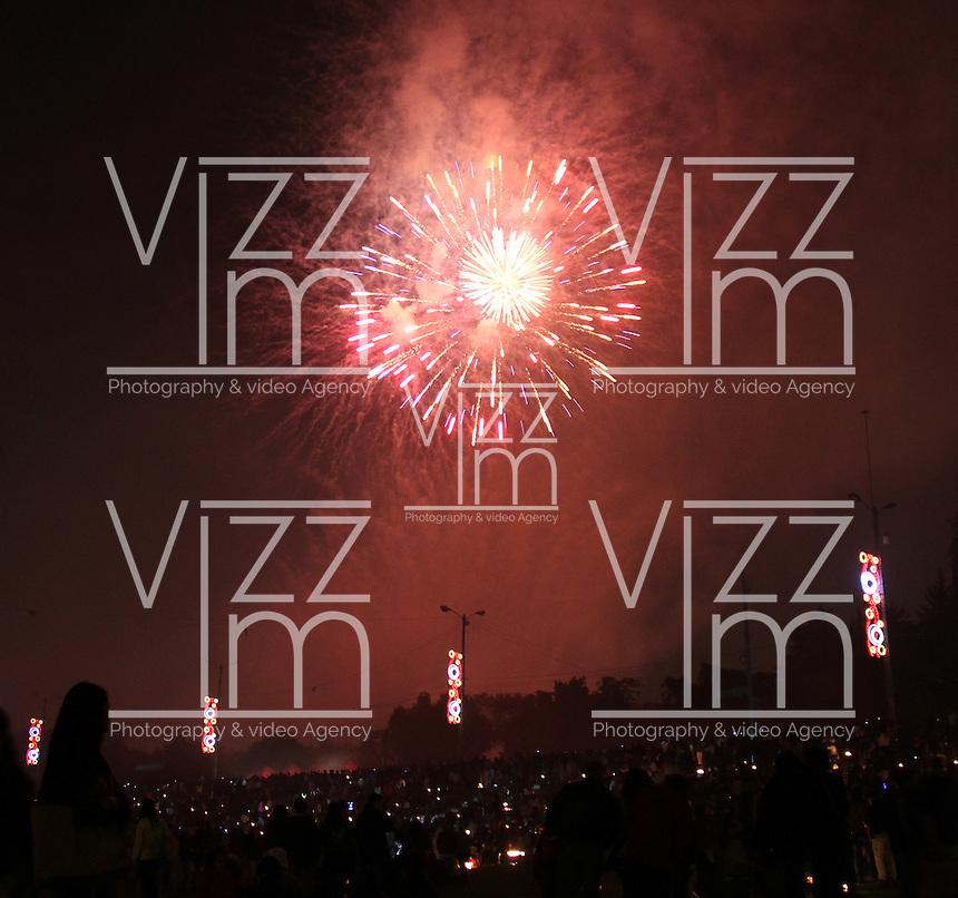 BOGOTA -COLOMBIA, 7 -DICIEMBRE-2014. Celebracion dia de las velitas y juegos pirotecnicos en el Parque Simon Bolivar  / Day of the candles and fireworks at the Simon Bolivar Park . Photo:VizzorImage / Felipe Caicedo / Staff