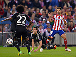 Cesar Azpilicueta vies with Diego Ribas during the UEFA Champions League semifinal first leg football match Club Atletico de Madrid vs Chelsea FC at the Vicente Calderon stadium in Madrid on April 22, 2014.   PHOTOCALL3000/DP-Sipa