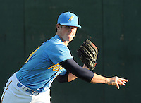April 10, 2009: RHP Craig Kimbrel (39) of the Myrtle Beach Pelicans, Class A affiliate of the Atlanta Braves, in a game against the Wilmington Blue Rocks at BB&T Coastal Field in Myrtle Beach, S.C. Photo by:  Tom Priddy/Four Seam Images