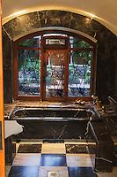 Europe/France/Languedoc-Roussillon/66/Pyrénées-Orientales/Molitg-les-Bains: Grand Hôtel, Thermes de Molitg les Bains _ L' établissement thermal: baignoire
