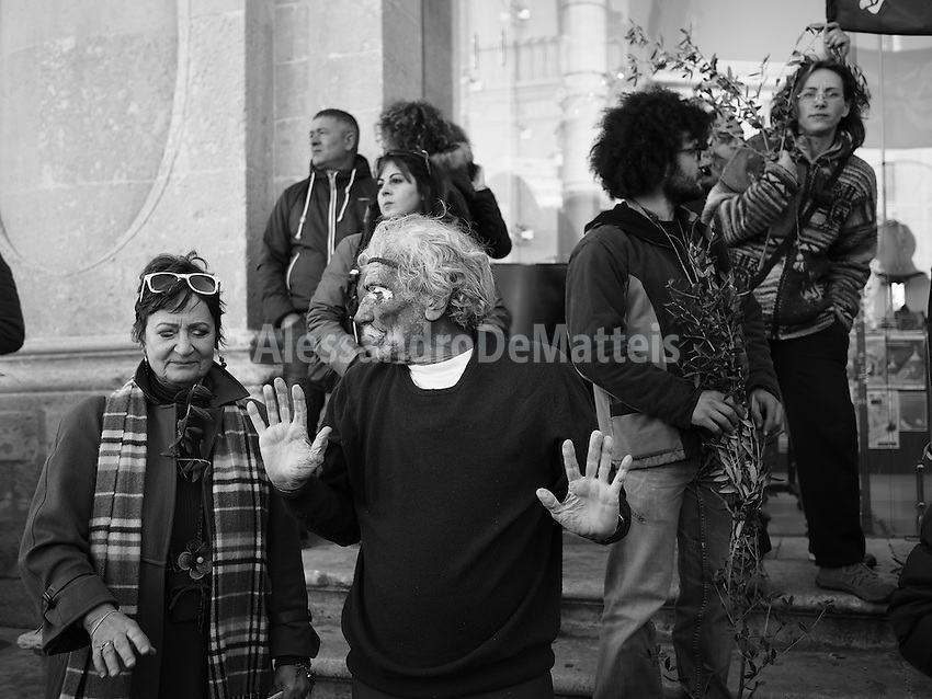 """Manifestazione """"Tutti in piazza per gli ulivi"""" - Lecce - 29 marzo 2015"""