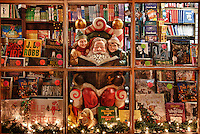 Holiday bookstore window, Peddlers Village, Lahaska, Pennsylvania, PA, USA