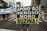 SÃO PAULO, SP, 26.03.2016 - PROTESTO-SP - Manifestantes contrários ao governo da presidente Dilma Roussef, seguem acampados em frente a sede da Fiesp, na avenida Paulista, neste sábado, 26. (Foto: Gabriel Soares/Brazil Photo Press)