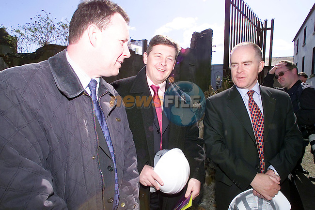 David Prior ceo Chamber of Commerce, Mark Markey vice president chamber of commerce and Donagh O'Brien Manager Pernament TSB at the launch of the New Town centre..Picture Fran Caffrey Newsfile..This Picture is sent to you by:..Newsfile Ltd.The View, Millmount Abbey, Drogheda, Co Louth, Ireland..Tel: +353419871240.Fax: +353419871260.GSM: +353862500958.ISDN: +353419871010.email: pictures@newsfile.ie.www.newsfile.ie
