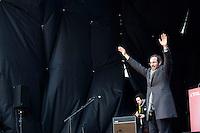 Milano: manifestazione del Partito Democratico per sostenere la candidatura di Umberto Ambrosoli a presidente della Regione Lombardia e Pier Luigi Bersani a Presidente del Consiglio..Umberto Ambrosoli arriva sul palco