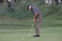 Steve Stricker sinks his putt for a half Saturdays fourballs at the 37th Ryder Cup at Valhalla Golf Club, Louisville, Kentucky, USA - 20th September 2008 (Photo by Manus O'Reilly/GOLFFILE)