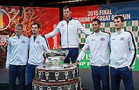 Gent, Belgium, November 26, 2015,Tennis,  Davis Cup Final, Belgium-Great Britain, draw ceremonie, team Great Britain arround the Davis Cup, Ltr: Kyle Edmund, Andy Murray, Captain Leon Smith, James Ward and Jaimy Murray<br /> Photo: Tennisimages/Henk Koster