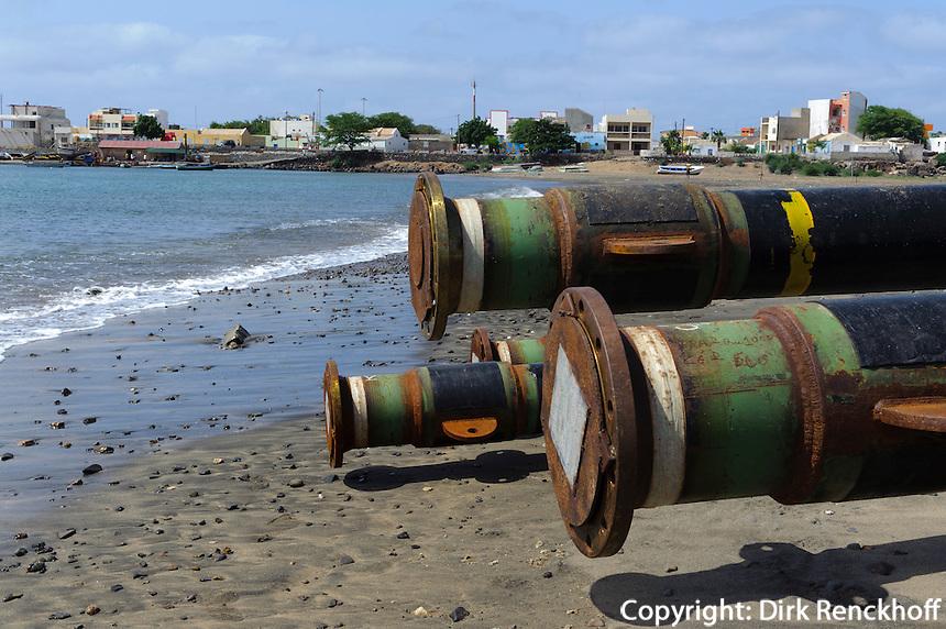 Verladerohre für Treibstoff in Palmeira, Sal, Kapverden, Afrika