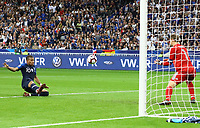Chance für Kylian Mbappe (Frankreich, France) gegen Torwart Manuel Neuer (Deutschland Germany)- 16.10.2018: Frankreich vs. Deutschland, 4. Spieltag UEFA Nations League, Stade de France, DISCLAIMER: DFB regulations prohibit any use of photographs as image sequences and/or quasi-video.