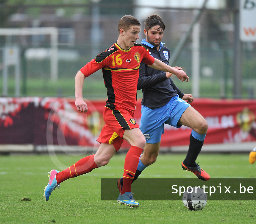 Belgium U19 - England U19 : Gianni De Neve (16) and Jordan Turnbull.foto DAVID CATRY / Nikonpro.be