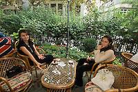 Türkei, Teegarten an der Divan Yolu in Istanbul