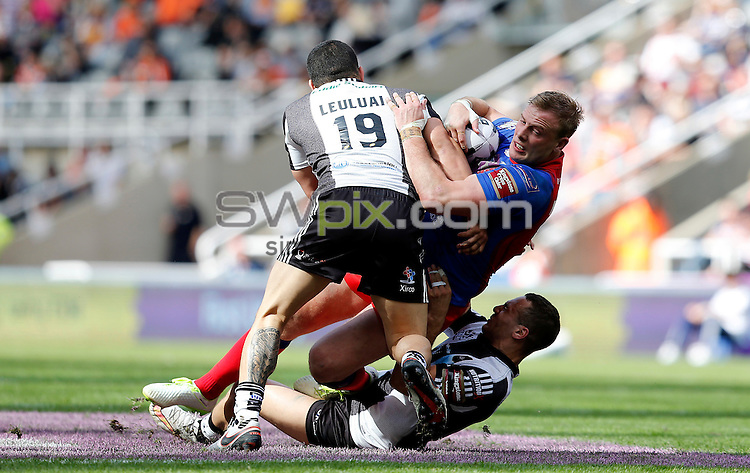 Picture by John Clifton/SWpix.com - 21/05/2016 - Rugby League - First Utility Super League - Salford Red Devils v Widnes Vikings - St James Park, Newcastle, England<br /> Craig Kopczak of Salford Red Devils<br /> Macgraff Leuluai of Widnes Vikings
