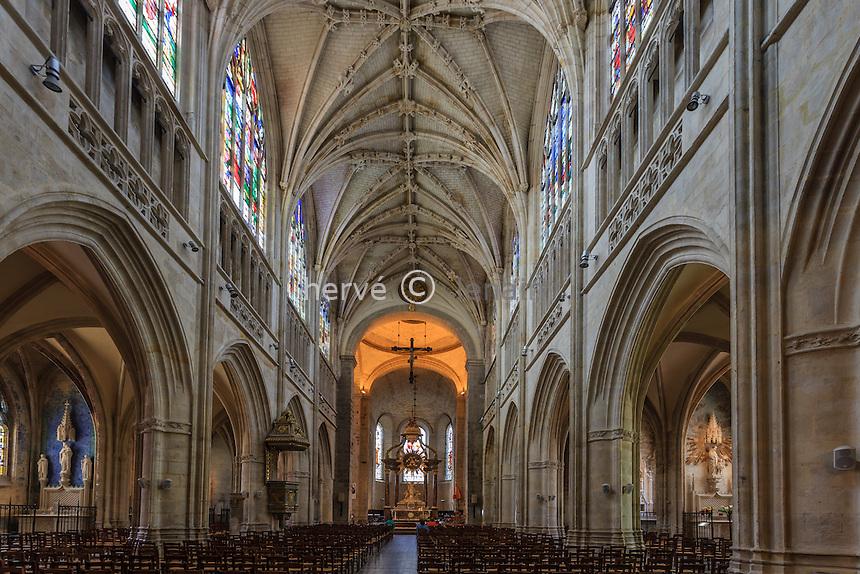 France, Orne (61), Alençon, église Notre-Dame d'Alençon, la nef // France, Orne, Alencon, Notre Dame Basilica of Alencon, the nave