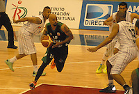 TUNJA -COLOMBIA-05-05-2014. Barlow de Aguilas de Tunja en accion contra   de Piratas de Bogota durante partido de La Liga Directv 1 de baloncesto jugado en el coliseo Departamental de Boyaca . Barlow of Aguilas of Tunja  in action against Pirates Bogota for DirecTV La Liga match 1 Departmental basketball played in the Coliseum Boyaca. Photo: VizzorImage / Jose Miguel Palencia  /  Stringer