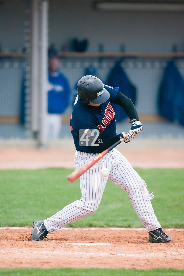 10 Aug 2007: David Gauthier is seen at bat during game 1 of the french championship finals between Templiers (Senart) and Huskies (Rouen) in Chartres, France. Templiers beat Huskies 1-0.