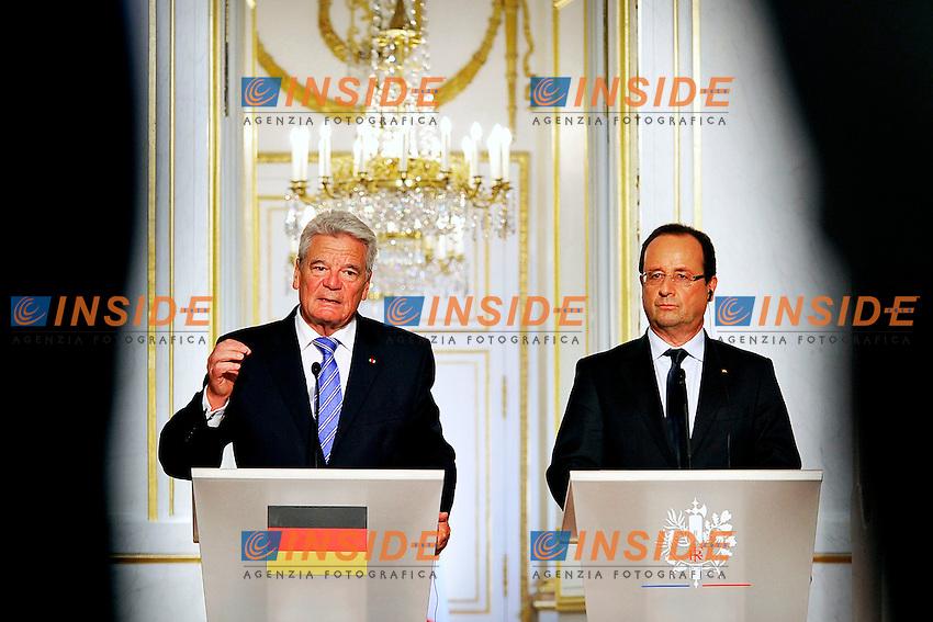 Joachim Gauck e Francoise Hollande<br /> Parigi 03-09-2013 Eliseo, Incontro tra il Presidente Francese ed il Presidente della Repubblica di Gemania.<br /> Photo Gerard Roussel  PANORAMIC Insidefoto<br /> ITALY ONLY