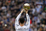 Cristiano Ronaldo with the FIFA Ballon D'Or during the Spanish league football match Real Madrid vs FC Granada at the Santiago Bernabeu stadium in Madrid on January 25, 2014. PHOTOCALL3000/ DP