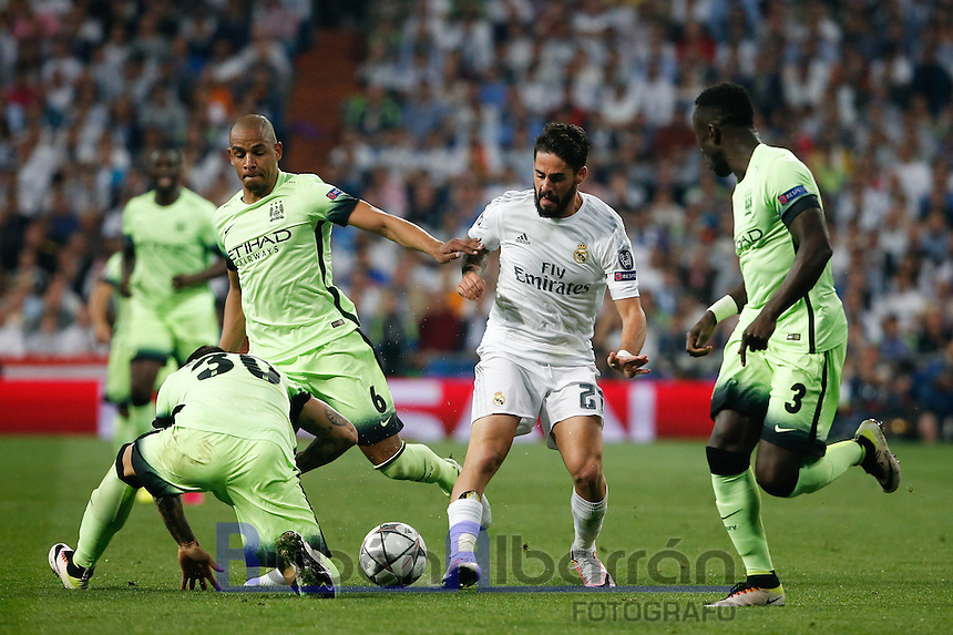 Real Madrid's Spanish midfielder Isco during the UEFA Champions League match between Real Madrid and Manchester City at the Santiago Bernabeu Stadium in Madrid, Wednesday, May 4, 2016.