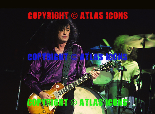 Jimmy Page performs with Robert Plant at Madison Square Garden in New York November 1995