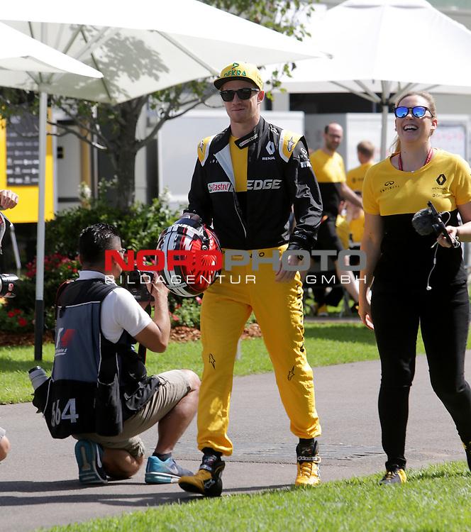 23.03.- 26.03.2017 Albert-Park-Circuit, Melbourne, AUS, F1, Formula 1 Rolex Australien Grand Prix, Race01, im Bild <br /> <br /> Nico H&uuml;lkenberg (GER#27), Renault Sport F1 Team beim offiziellen Fotoshooting der FIA  <br /> <br /> Foto &copy; nordphoto / Bratic