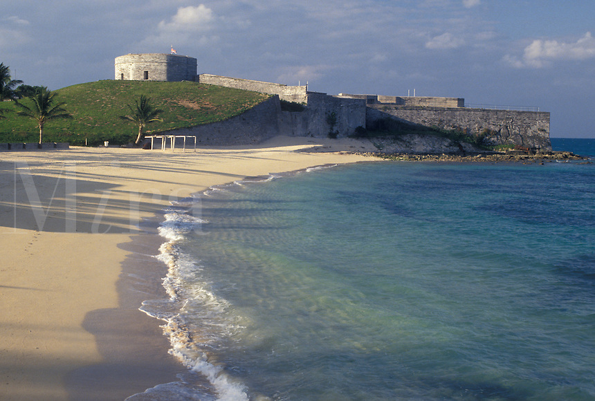 fort, Bermuda, St. George's Parish, Fort St. Catherine on St. Catherine's Beach on the Atlantic Ocean in St George in Bermuda.
