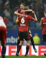 FUSSBALL   1. BUNDESLIGA   SAISON 2012/2013    34. SPIELTAG Hamburger SV - Bayer 04 Leverkusen                      18.05.2013 Schlussjubel: Stefan Kiessling (hinten) und Simon Rolfes (vorn, beide Bayer 04 Leverkusen)