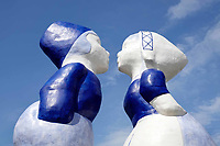 Nederland  Amsterdam - mei 2018. Westelijk Havengebied.  Kissing Couple XXXL van de kunstenaar Saske van Eerden.   Foto: Berlinda van Dam / Hollandse Hoogte