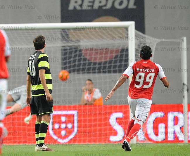 Mathaeus scores Braga's goal no 3 from a free-kick