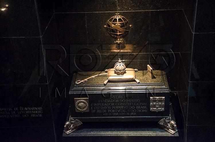 Cripta imperial, onde estão os restos mortais de D. Pedro I, na Capela Imperial, no Parque da Independência. Museu Paulista da Universidade de São Paulo, conhecido como Museu do Ipiranga, São Paulo - SP, 03/2013.
