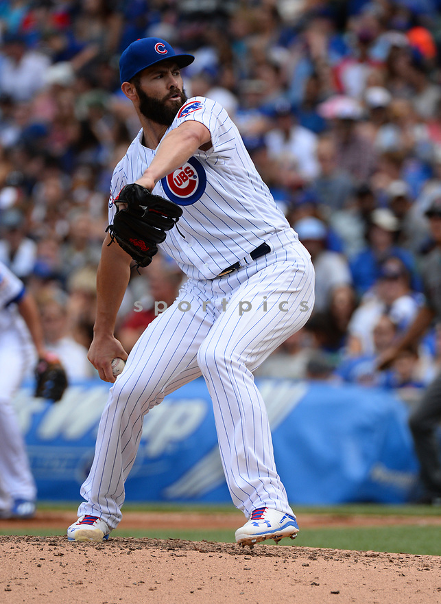Chicago Cubs Jake Arrieta (49) during a game against the Arizona Diamondbacks on June 5, 2016 at Wrigley Field in Chicago, IL. The Diamondbacks beat the Cubs 3-2.