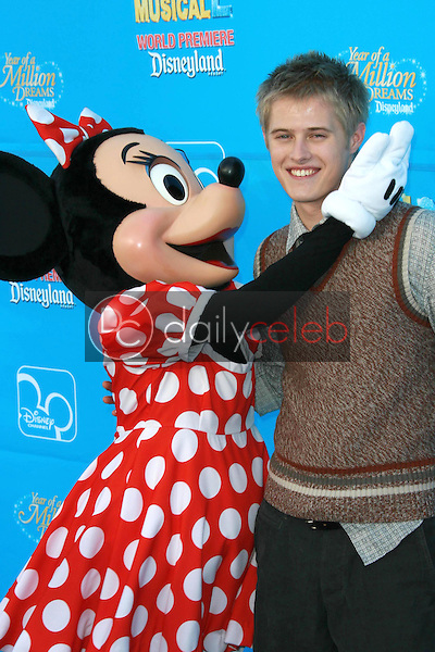 Lucas Grabeel<br />at the world premiere of Disney's &quot;High School Musical 2&quot;. Downtown Disney, Anaheim, CA. 08-14-07<br />Dave Edwards/DailyCeleb.com 818-249-4998