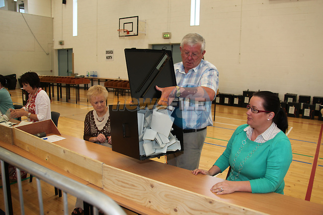 The Count for the Drogheda Borough Council in the Drogheda College of Further Education..Pic: www.newsfile.ie