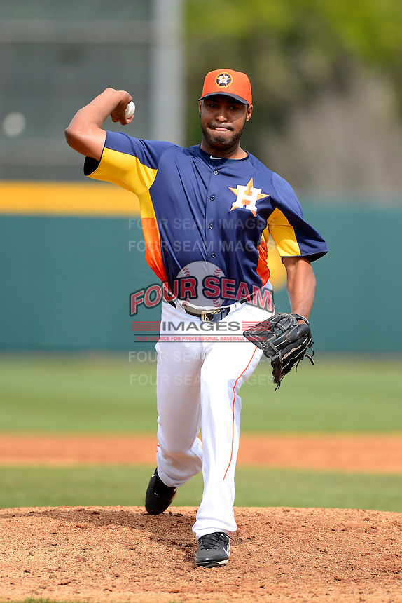 Houston Astros pitcher Jose Veras #41 during a Spring Training game against the St. Louis Cardinals at Osceola County Stadium on March 1, 2013 in Kissimmee, Florida.  The game ended in a tie at 8-8.  (Mike Janes/Four Seam Images)