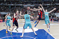 Caja Laboral Baskonia's Tibor Pleiss (c-l) and Fernando San Emeterio (c-r) and FC Barcelona Regal's CJ Wallace (l), Ante Tomic (c) and Xabi Rabaseda during Spanish Basketball King's Cup semifinal match.February 07,2013. (ALTERPHOTOS/Acero)