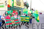 SUPPORTERS: Donegal and Mayo fans met up in Tralee on Tuesday evening last at the Sportsfield bar, Boherbee, Tralee, as they are preparing for Sunday's All-Ireland final. Pictured on the Mayo side were l-r: Derry O'Shea, Tina Cunningham, Bridie Roche, Paddy Prendergast, David Barrett, Paul Kafongo, Damien Roche Jr., Damien Roche Snr and Johnny White. Pictured on the Donegal side were l-r: Malachy McDaid, Sean Gallagher, Mary McCole, Dan, Annette and Dinnaka Horgan.