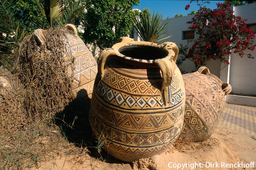 Tonkrüge in Houmt Souk, Djerba, Tunesien
