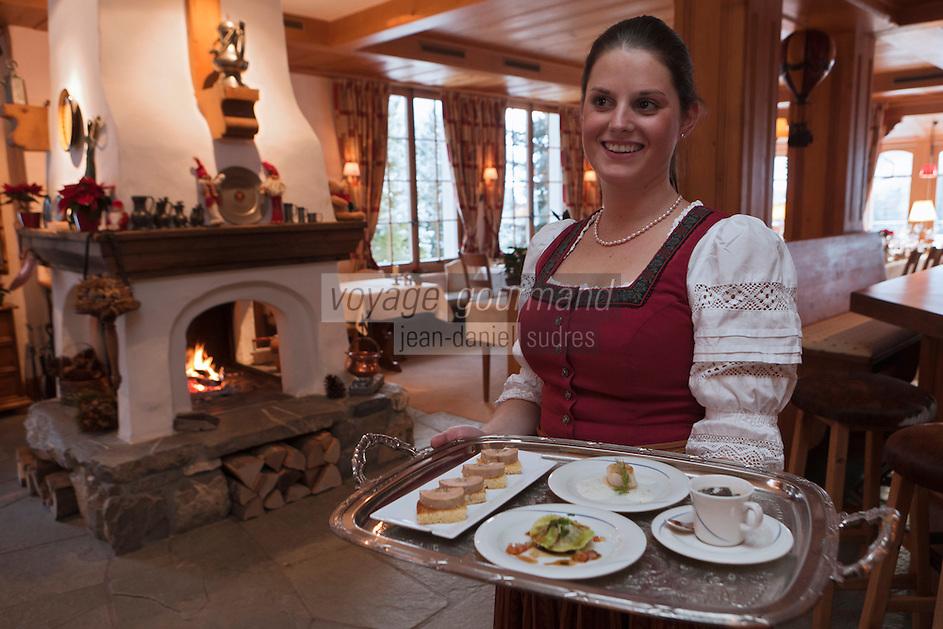 Europe/Suisse/Saanenland/Gstaad: Service au Restaurant: Le Bagatelle, au Grand Chalet