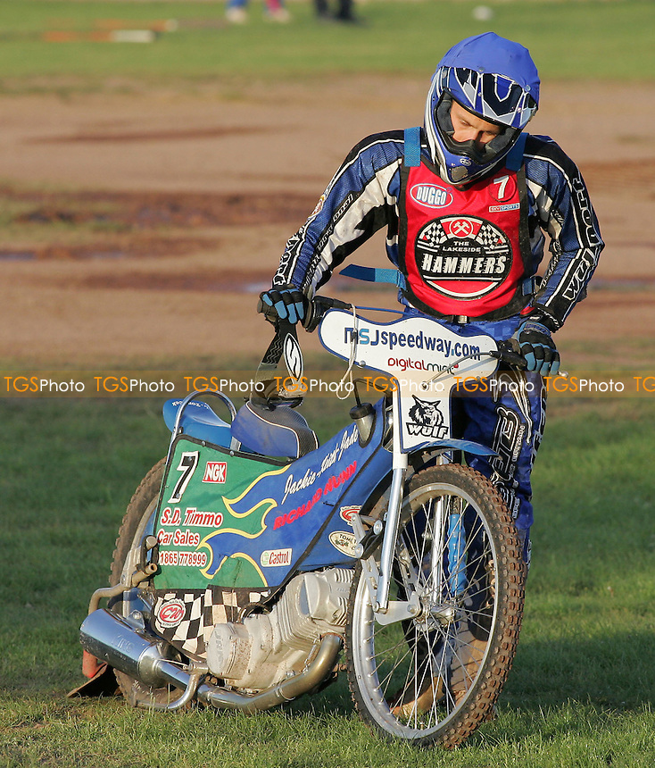 Heat 4 - Lubos Tomicek of Lakeside retires - Lakeside Hammers vs Reading Bulldogs - Elite League Speedway at Arena Essex - 20/06/07 - MANDATORY CREDIT: Gavin Ellis/TGSPHOTO - SELF-BILLING APPLIES WHERE APPROPRIATE. NO UNPAID USE -  Tel: 0845 0946026