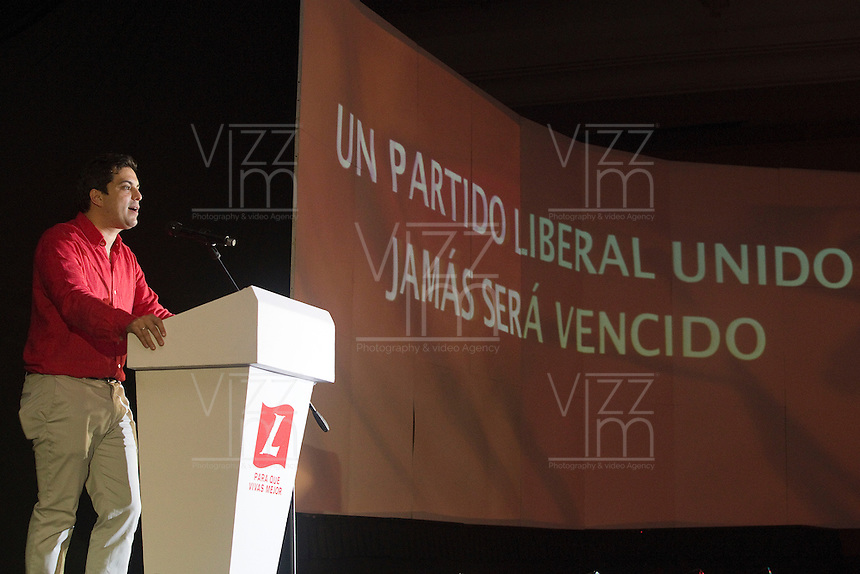 CARTAGENA -COLOMBIA, 30-11-2013: El Presidente del Partido Liberal, Simón Gaviria, habla hoy 1 de diciembre del 2013 a la VI Convención Nacional Liberal, en la ciudad de Cartagena de Indias./ Simon Gaviria president of Liberal Party speaks in the VI National Convention of Liberal Party at cartagena de Indias. Photo: VizzorImage / © Juan Manuel Barrero Bueno / Partido Liberal