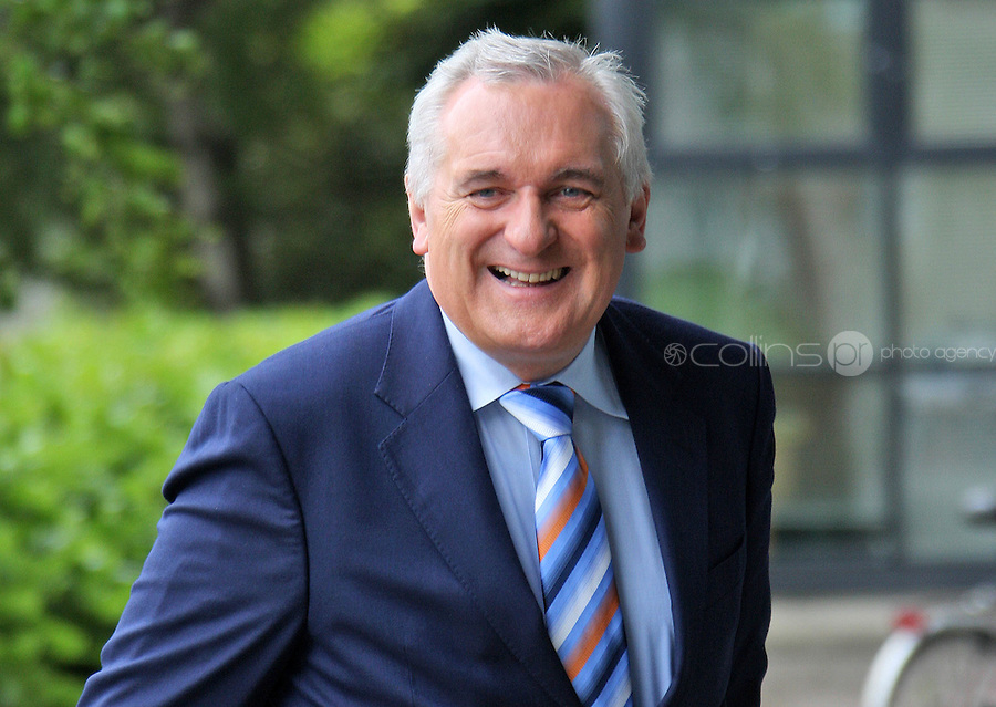 17/06/'08 Former Taoiseach, Bertie Ahern pictured arriving at Dublin Castle this afternoon where he is to give evidence to the Planning Tribunal...Picture Collins, Dublin, Colin Keegan.