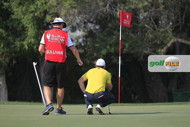 Andy Sullivan (ENG) on the 5th green during Round 4 of the Abu Dhabi HSBC Championship on Sunday 22nd January 2017.<br /> Picture:  Thos Caffrey / Golffile<br /> <br /> All photo usage must carry mandatory copyright credit     (&copy; Golffile | Thos Caffrey)