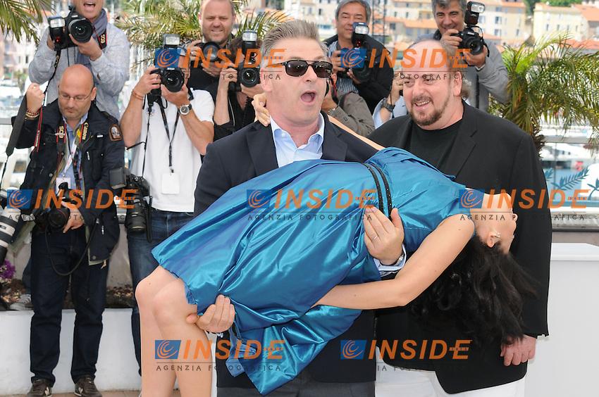 Alec BAldwin et sa femme Hilaria Thomas .Cannes 21/5/2013 .Festival del Cinema di Cannes .Foto Panoramic / Insidefoto .ITALY ONLY