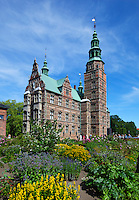 Denmark, Zealand, Copenhagen: Rosenborg Slot (castle) built as Summer House in 1606-1634 for Christian 4th | Daenemark, Insel Seeland, Kopenhagen: Schloss Rosenborg erbaut 1606-1634 von Christian IV.