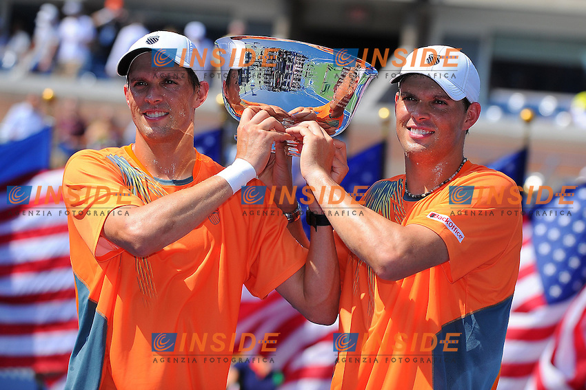 Bob Bryan (USA).Mike Bryan (USA) .Flushing Meadows 7/9/2012 .Tennis Us Open Grande Slam.Foto Insidefoto / Virginie Bouyer / Panoramic.ITALY ONLY
