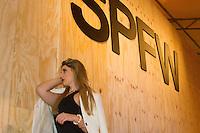 SAO PAULO, SP, 17.04.2015 - SÃO PAULO FASHION WEEK -  Lana Amoroso, movimentação  no último dia da São Paulo Fashion Week, Verão 2016 no Parque Candido Portinari na regiao oeste de São Paulo, nesta sexta-feira, 17.(Foto: Kevin David / Brazil Photo Press ).