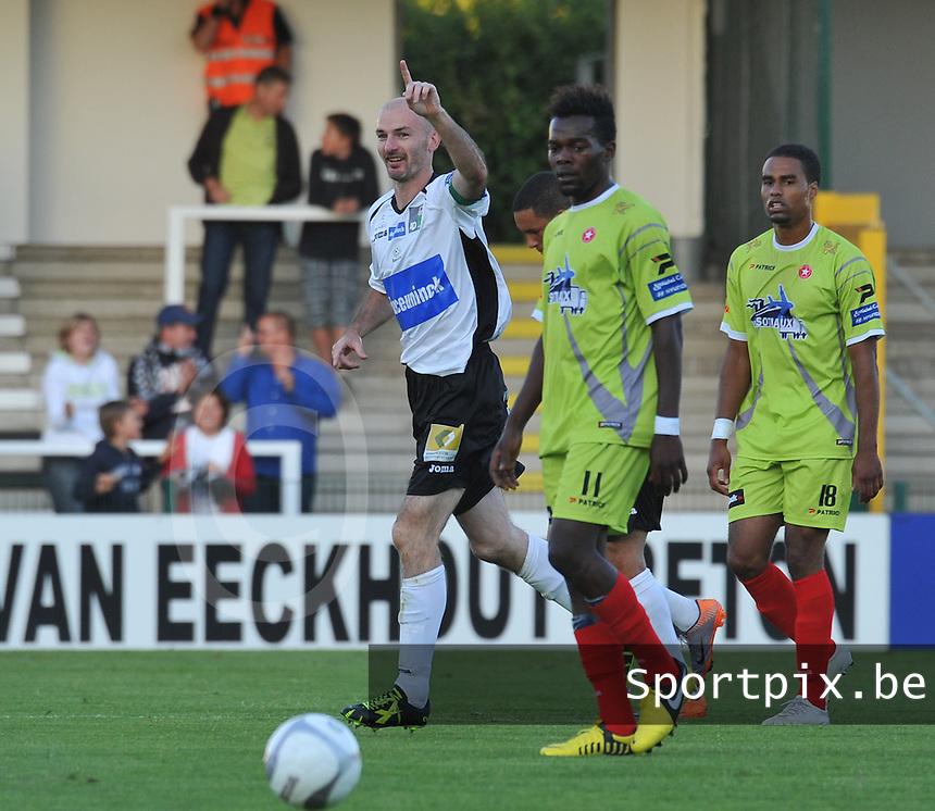 KSV Roeselare - White Star Woluwe : Bram Vandenbussche blij met zijn doelpunt.foto VDB / BART VANDENBROUCKE