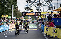 Team Mitchelton-Scott finishing the TTT underneath The Atomium <br /> <br /> Stage 2 (TTT): Brussels to Brussels (BEL/28km) <br /> 106th Tour de France 2019 (2.UWT)<br /> <br /> ©kramon