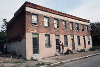 1984 June ..Redevelopment.Huntersville 1&2 (R-70)..CAPTION...NEG#.NRHA#..